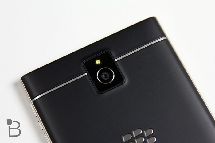 camra Blackberry Passport