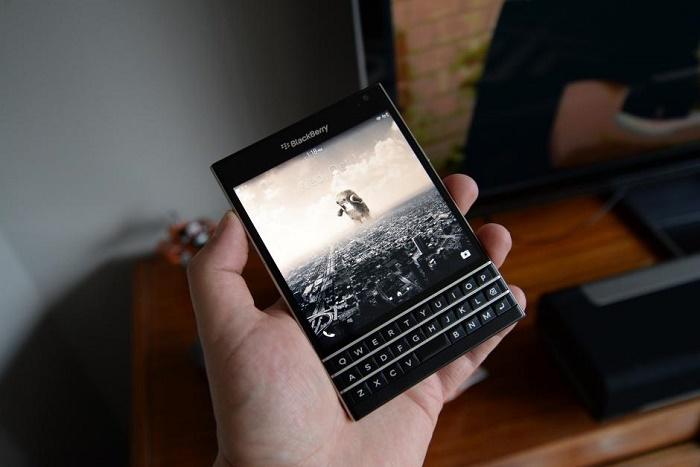 Màn hình Blackberry Passport