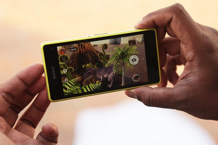 Sony Xperia Z1 Compact giá 2