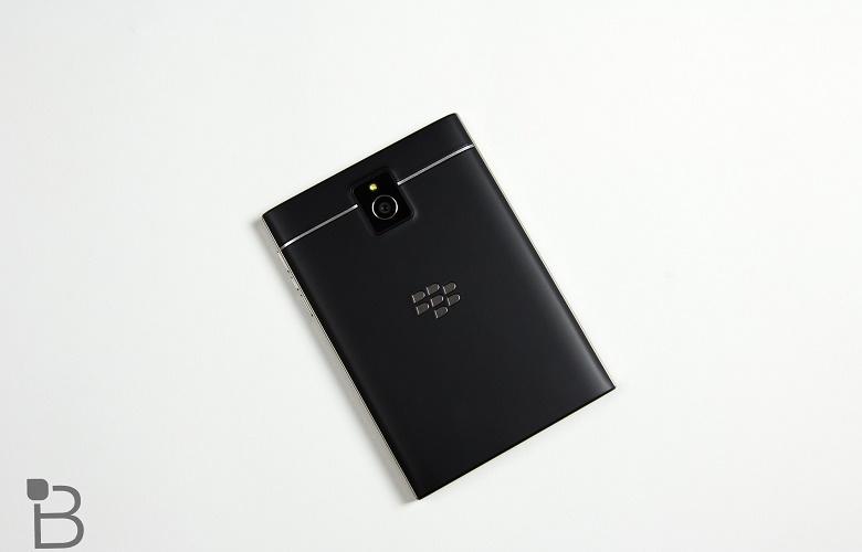 Giá bán Blackberry Passport