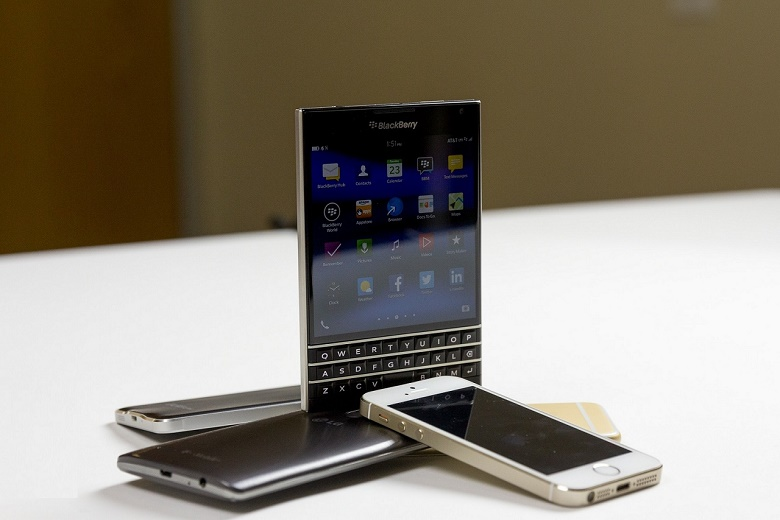 Thiết kế Blackberry Passport