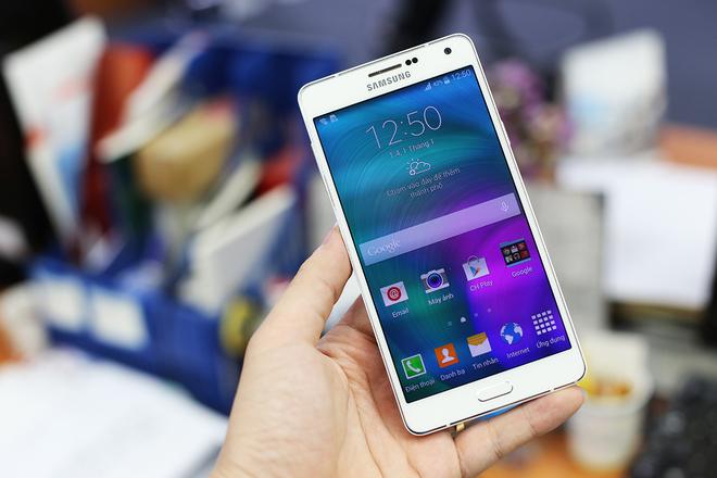 smartphone phù hợp tặng cha mẹ 4