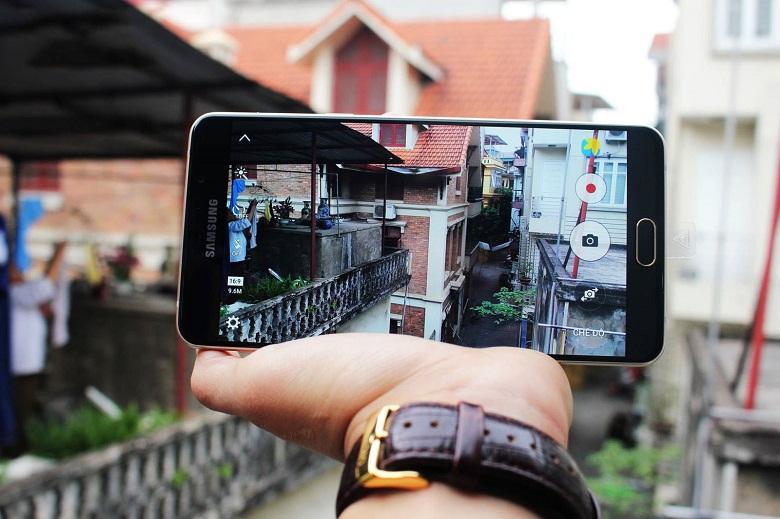 Camera Galaxy A9