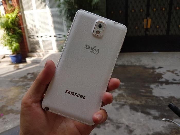 Mặt sau Samsung Galaxy Note 3
