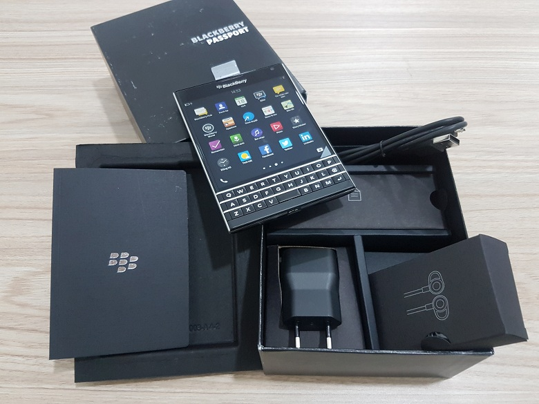 tat-ca-nhung-gi-can-biet-ve-blacbberry-passport-6