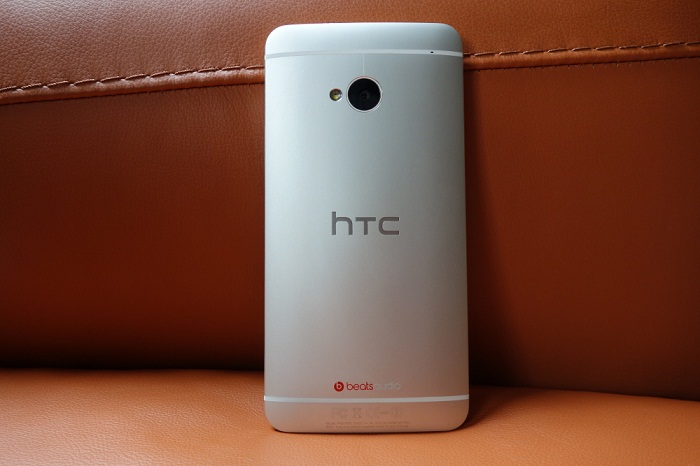thiet-ke-HTC One M7