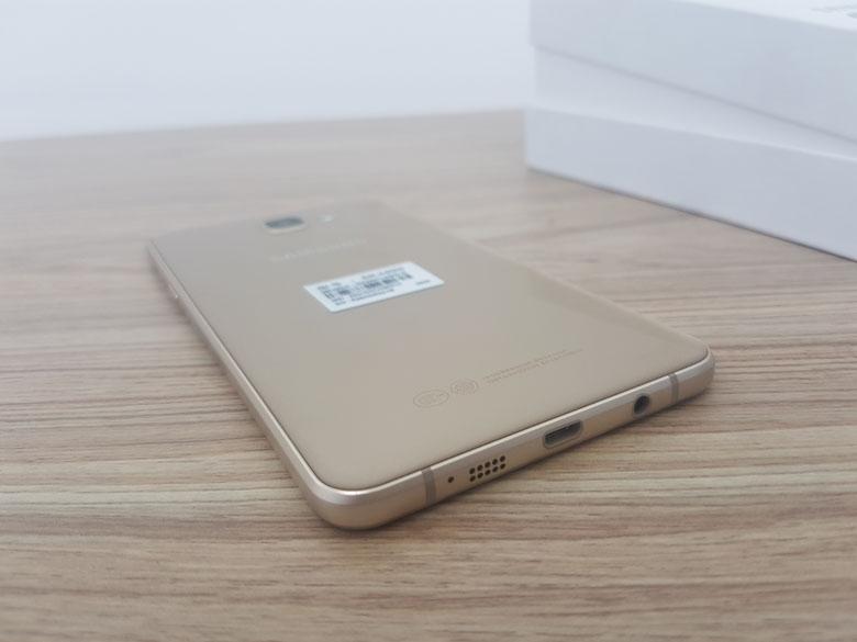 Mua Samsung Galaxy A9 2016 bất ngờ về giá dưới 7 triệu đồng