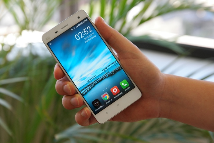 Smartphone nào RAM 3GB, quay phim 4K