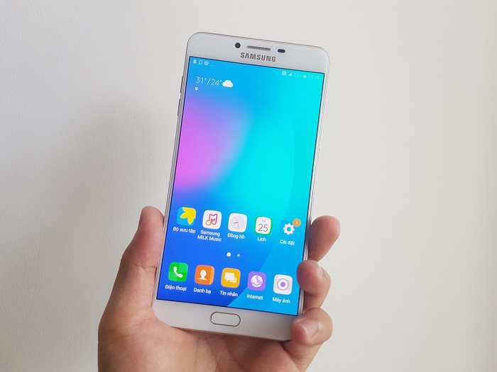 Trên tay Samsung Galaxy C9 Pro