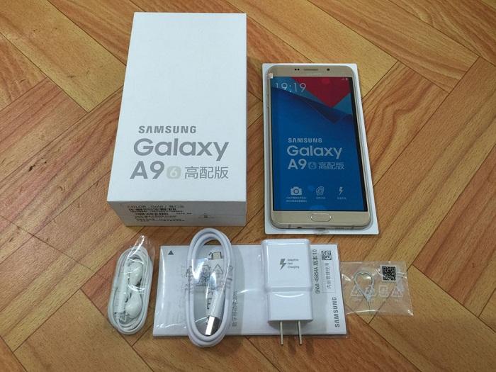 Đập hộp Samsung Galaxy A9 Pro 1