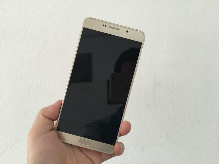 Đập hộp Samsung Galaxy A9 Pro 7