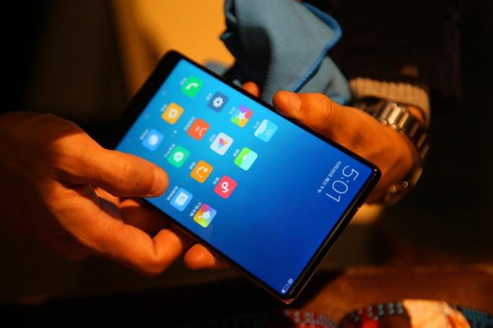 Điện thoại Xiaomi Mi Mix