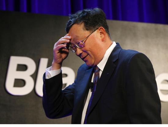 Ông chủ BlackBerry xấu hổ vì vợ dùng điện thoại Samsung