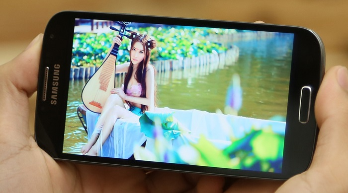 Mua Samsung Galaxy S4 Docomo