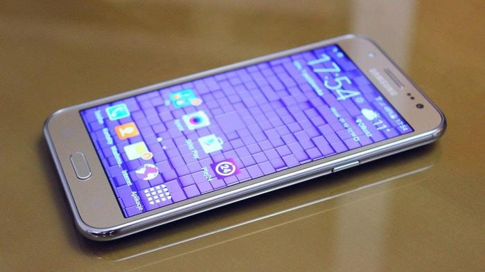Mua Samsung Galaxy J5