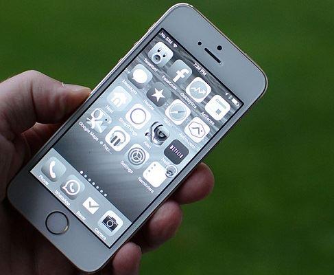Tính năng Grayscale trên iOS 8
