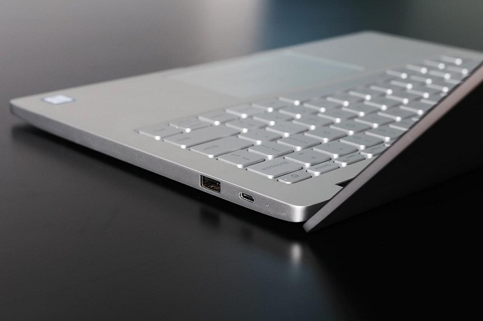 Xiaomi Mi Notebook Air mở hộp 6