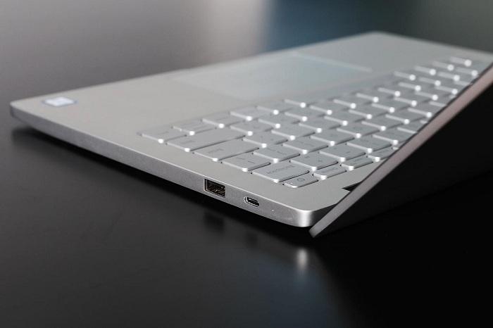 Xiaomi Mi Notebook Air mở hộp 6