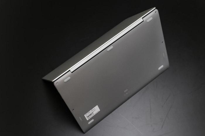 Xiaomi Mi Notebook Air mở hộp 8