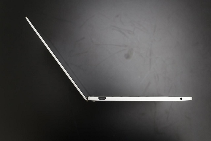 Xiaomi Mi Notebook Air mở hộp 9