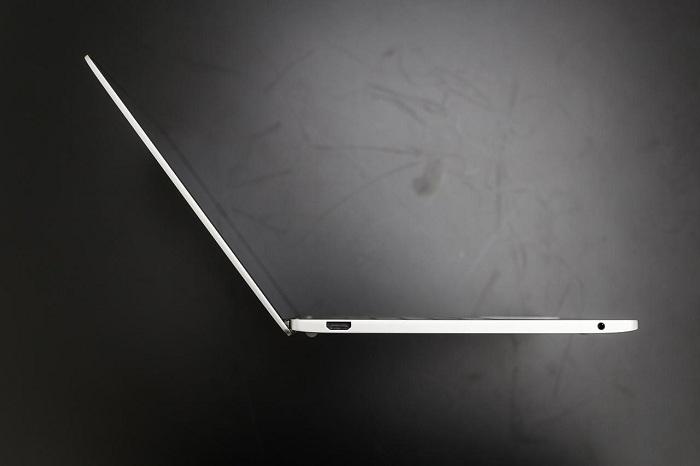 Xiaomi Mi Notebook Air mở hộp 9