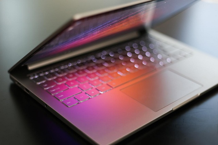 Xiaomi Mi Notebook Air mở hộp 3