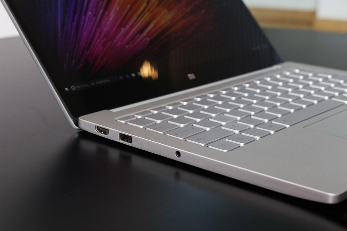 Xiaomi Mi Notebook Air mở hộp 4