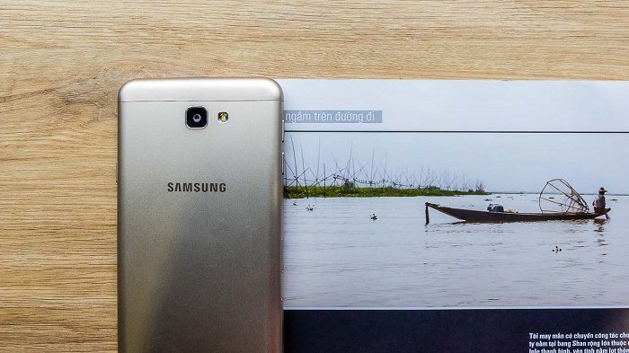 Thiết kế Samsung Galaxy J7 Prime