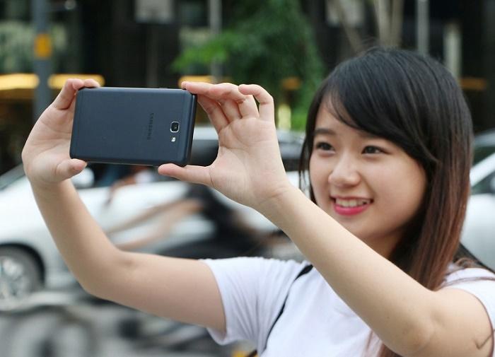 Camera Samsung Galaxy J7 Prime