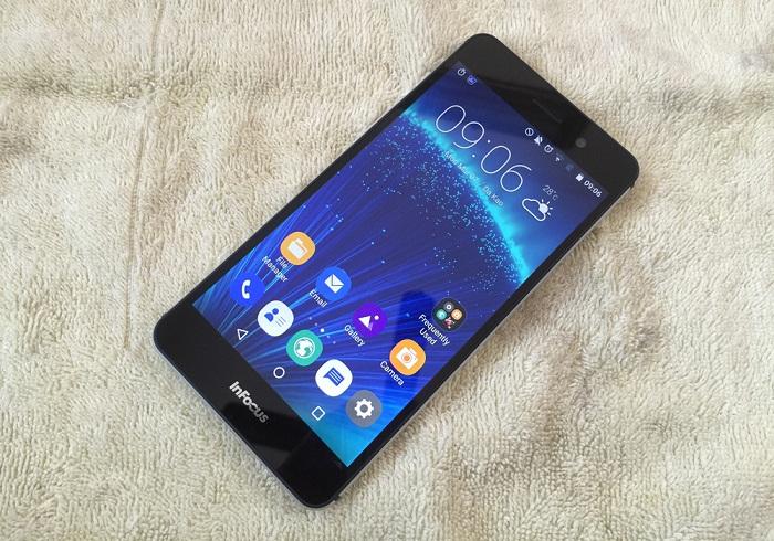Smartphone nguyên khối, màn hình Full HD, camera 13MP về giá 2 triệu