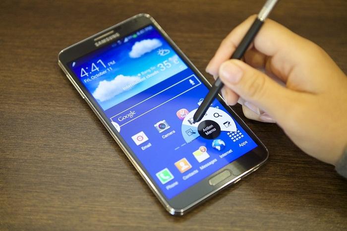 3-smartphone-ram-3gb-pin-xai-3-ngay-gia-4-trieu-1