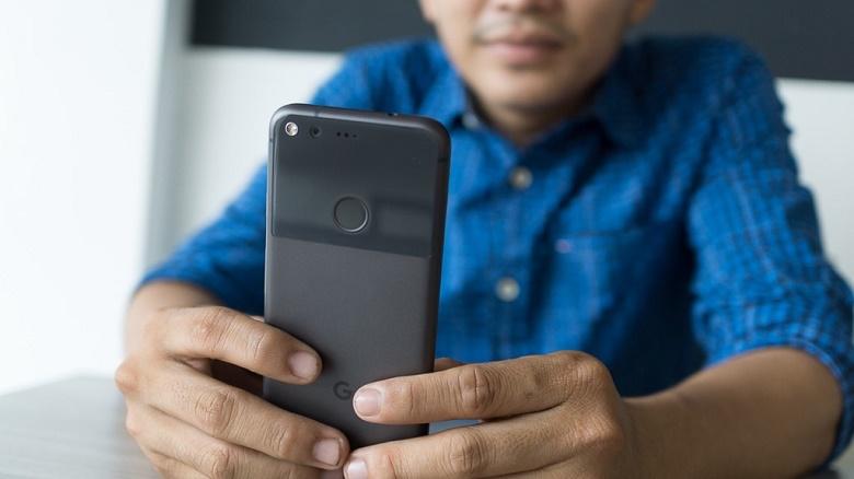 Google Pixel đầu tiên 9