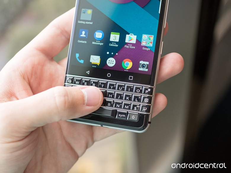 tren-tay-blackberry-mercury-ban-phim-qwerty-huyen-thoai-ram-3gb