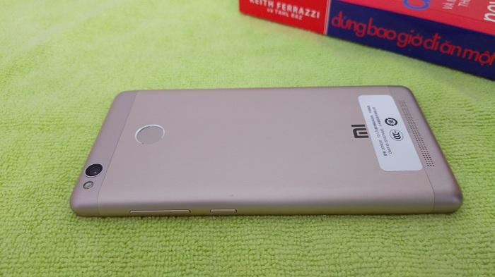 Góc máy Xiaomi Redmi 3S