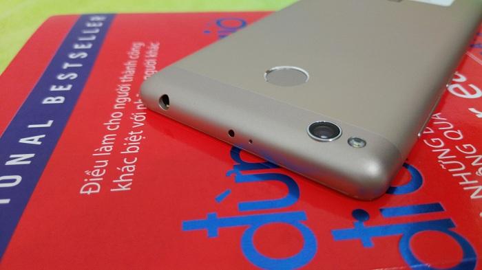 Camera sau Xiaomi Redmi 3S