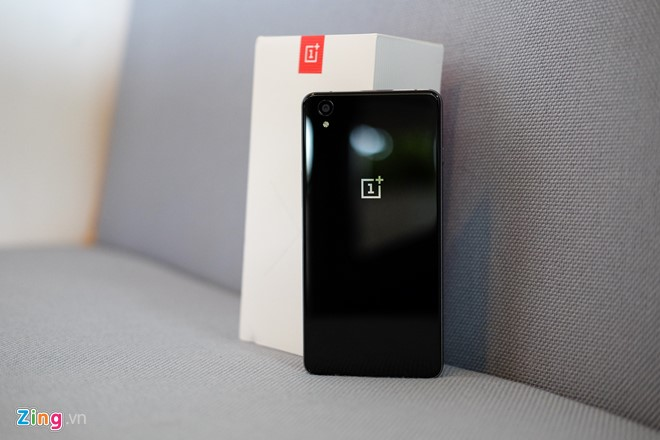 Mặt trước OnePlus X