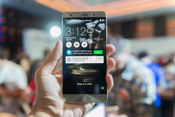 Asus Zenfone 3 Deluxe RAM 6GB
