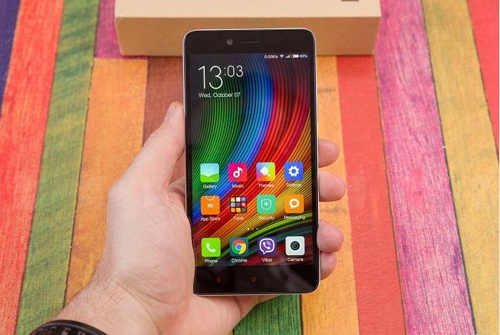 Top 4 smartphone RAM 2-3GB 4