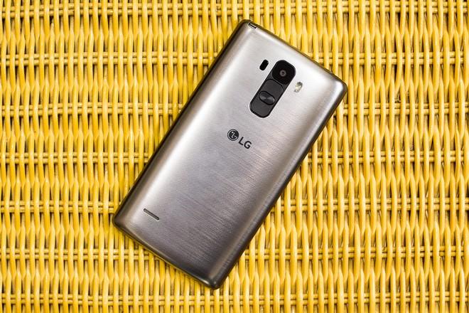 LG G4 Stylus chỉ dùng vỏ nhựa
