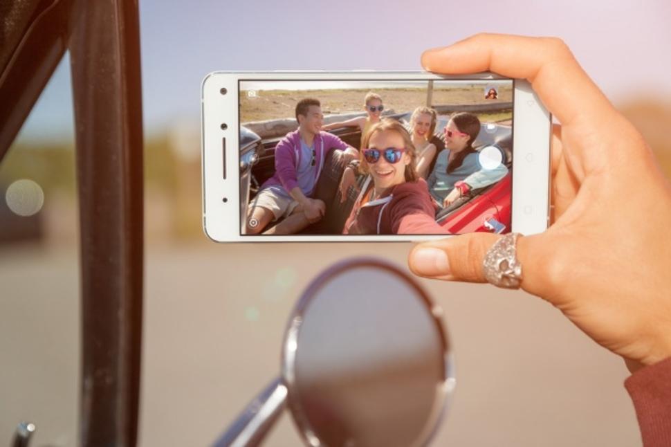 smartphone-an-tuong-va-tot-nhat-tai-trien-lam-ifa-3