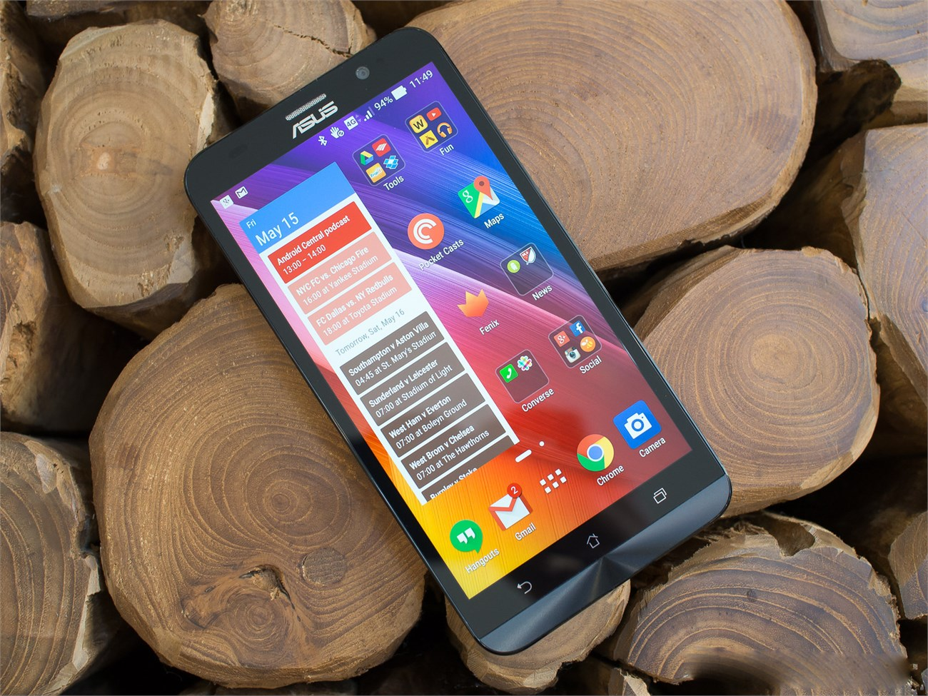 top-5-smartphone-so-huu-man-hinh-full-hd-gia-re-2