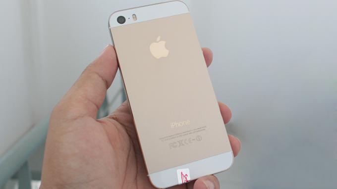 So sánh iPhone 5S Lock với quốc tế