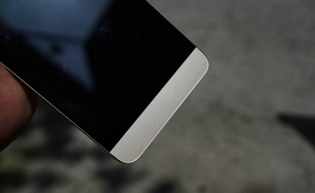 letv-le1-pro-smartphone-co-thiet-ke-dep-cau-hinh-cao-gia-hop-ly