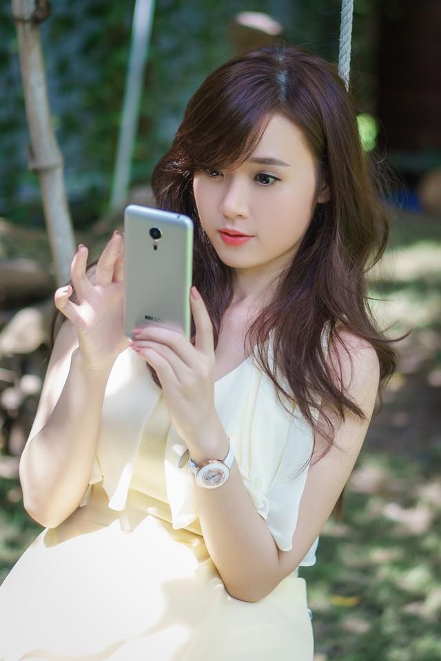 ảnh hot girl Midu và Meizu MX5 8