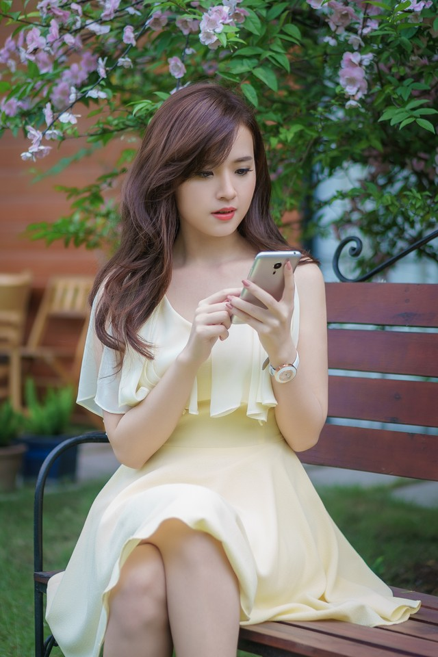 ảnh hot girl Midu và Meizu MX5 2