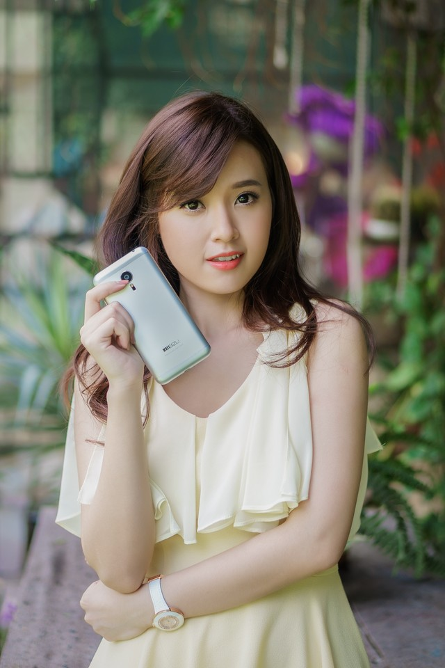 ảnh hot girl Midu và Meizu MX5 3