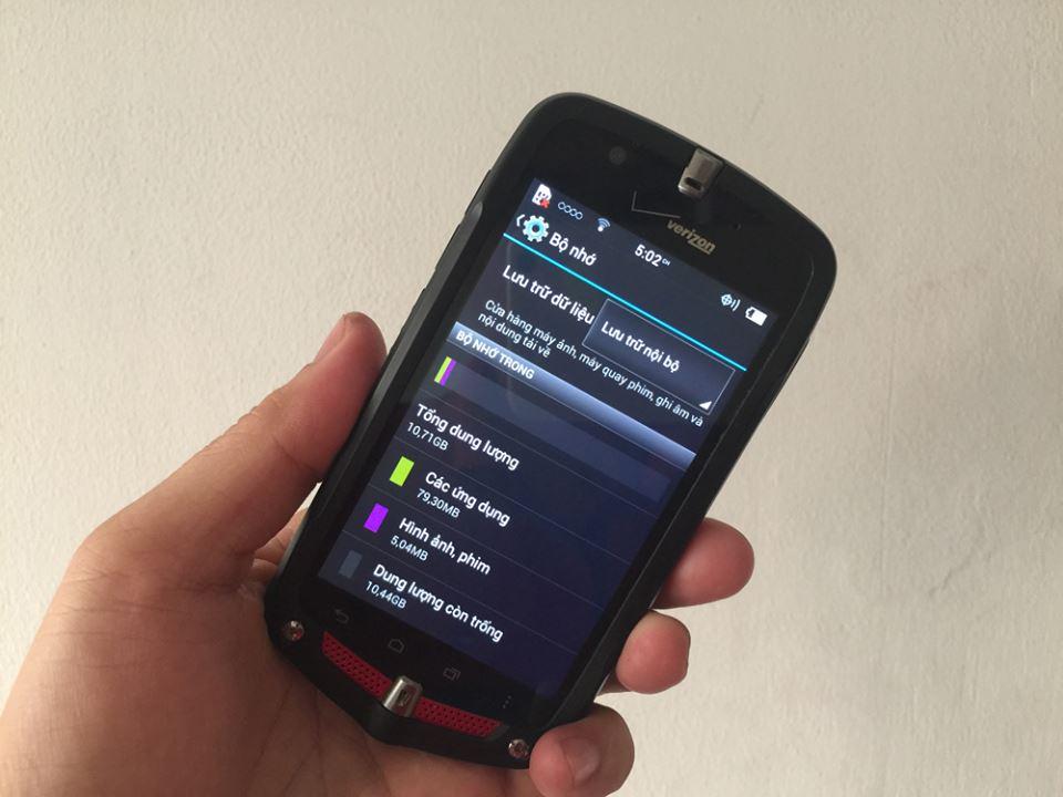 casio-gzone-ca-201l-smartphone-sieu-ben-2