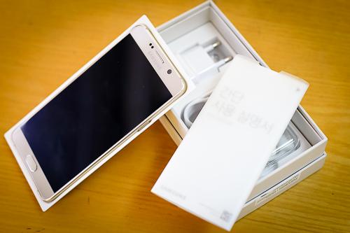 smartphone-thay-the-iphone-6s-plus-1