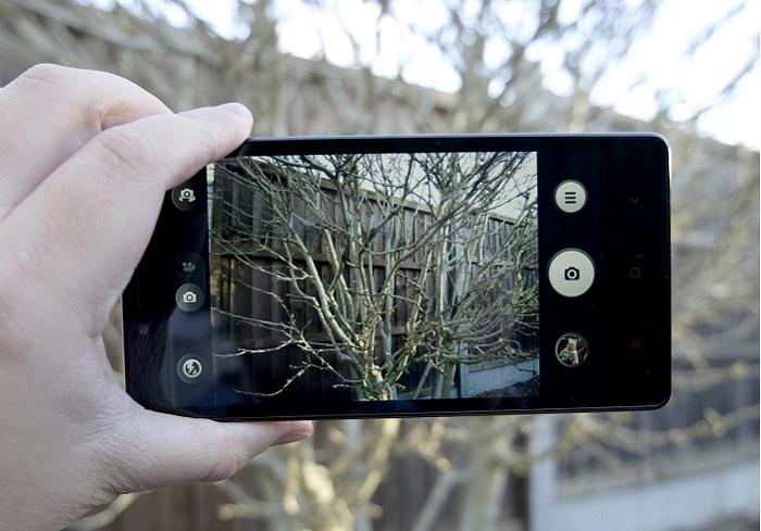 top-5-smartphone-camera-13-mp-gia-duoi-4-trieu-4