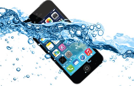 khi-smartphone-roi-xuong-nuoc-viec-tiep-theo-ban-nen-lam-la-gi